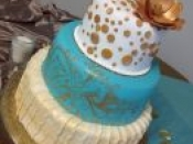 3 tier cake blue gold