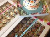 cake and packcaged cupcakes