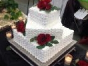 tiered cake red roses